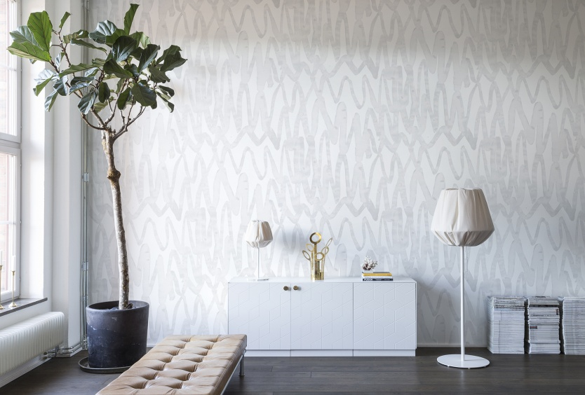 UP-AND-DOWN-HERE-AND-THERE-White-in-white-–-fascinatingly-effective-Wide-strokes-of-th-wallpaper-wp44012418