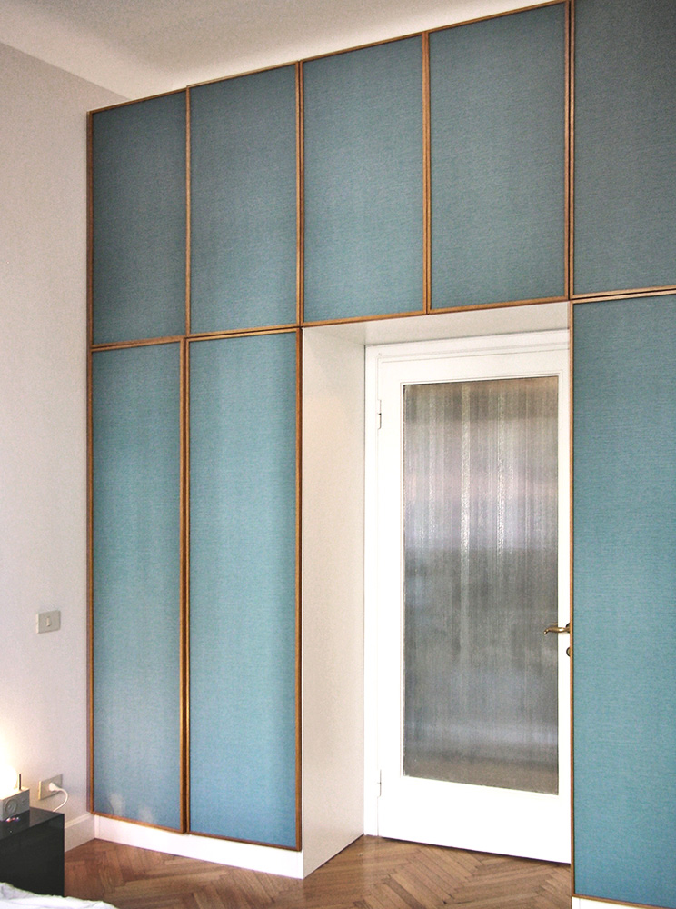 Wall-Blue-Glazed-Glass-Accent-Feature-Statement-Design-Gold-Panels-Home-Interior-wallpaper-wp4210452