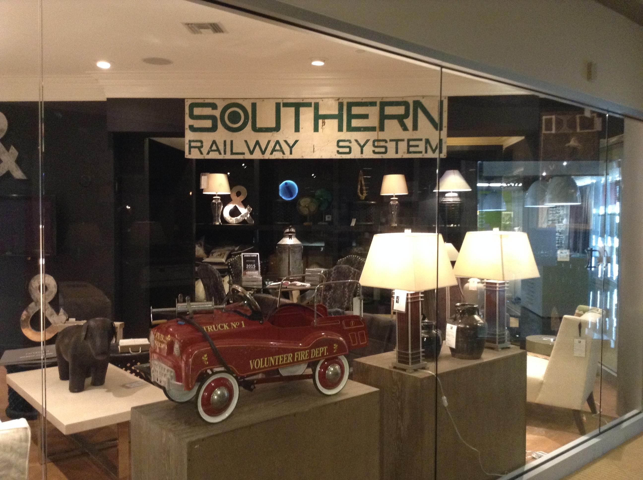 andrewmartin-vintage-car-southern-railway-system-lamps-tables-interiordesign-homedecor-de-wallpaper-wp5602252