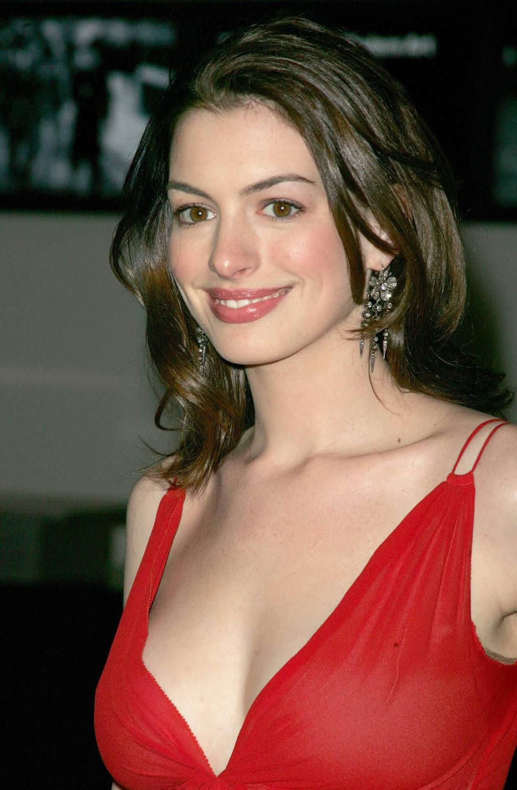 anne-hathaway-wallpaper-wp5602956