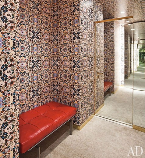 architectural-digest-dressing-room-lined-with-by-Damien-Hirst-kaleidoscope-wallpaper-wp5004748