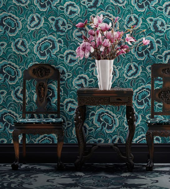 architectural-digest-vignette-displays-Splendour-wall-covering-and-fabric-in-Peacock-fro-wallpaper-wp5004757