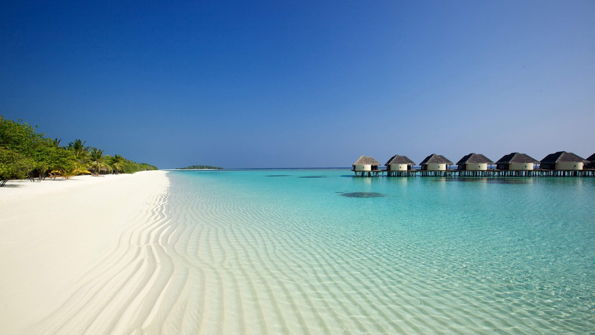 beach-ocean-sand-palm-trees-and-bungalows-1920x1080-Need-iPhone-S-Plus-Background-wallpaper-wp3402958