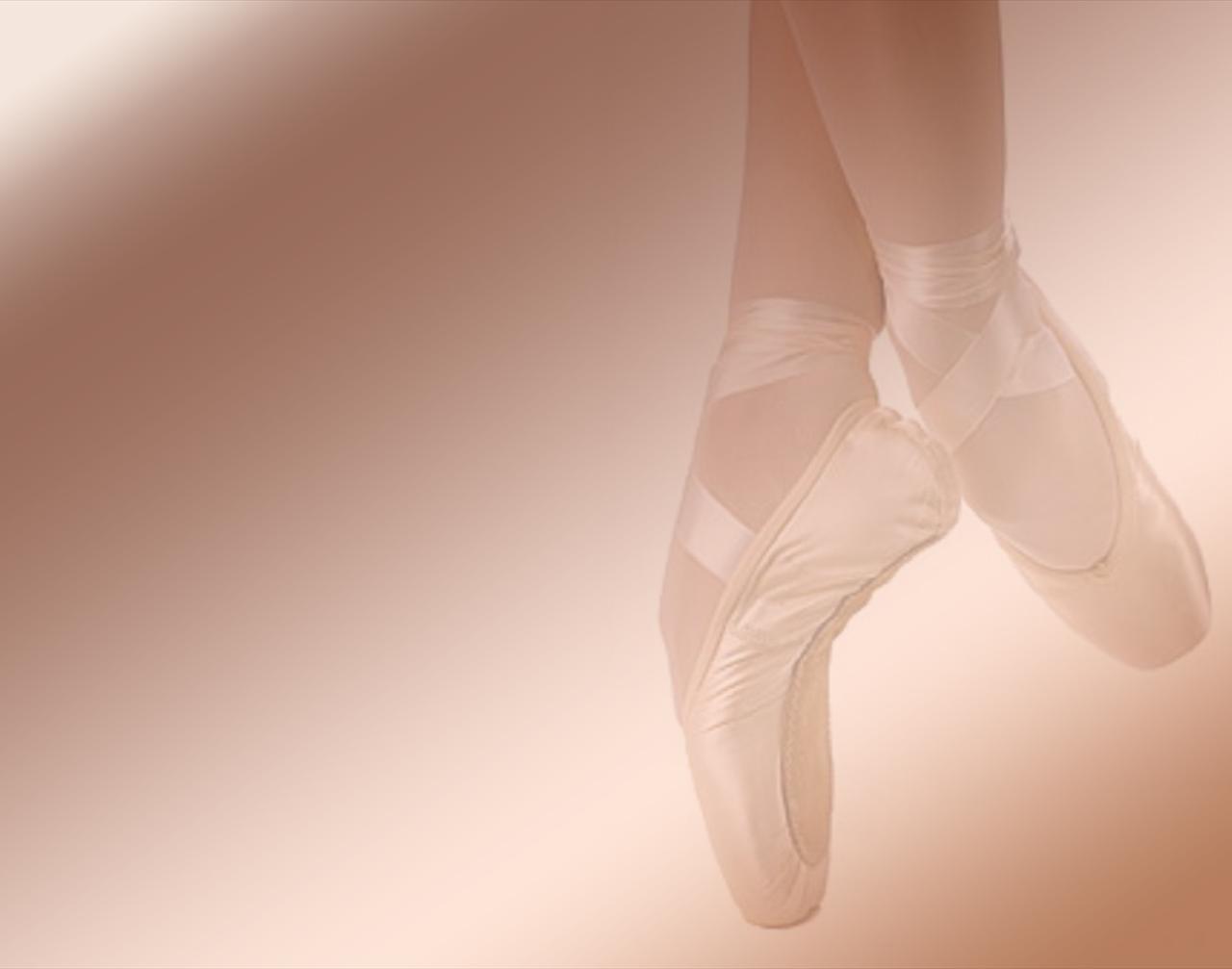 bfcacfcdde-pink-ballet-shoes-backgrounds-wallpaper-wp3603318