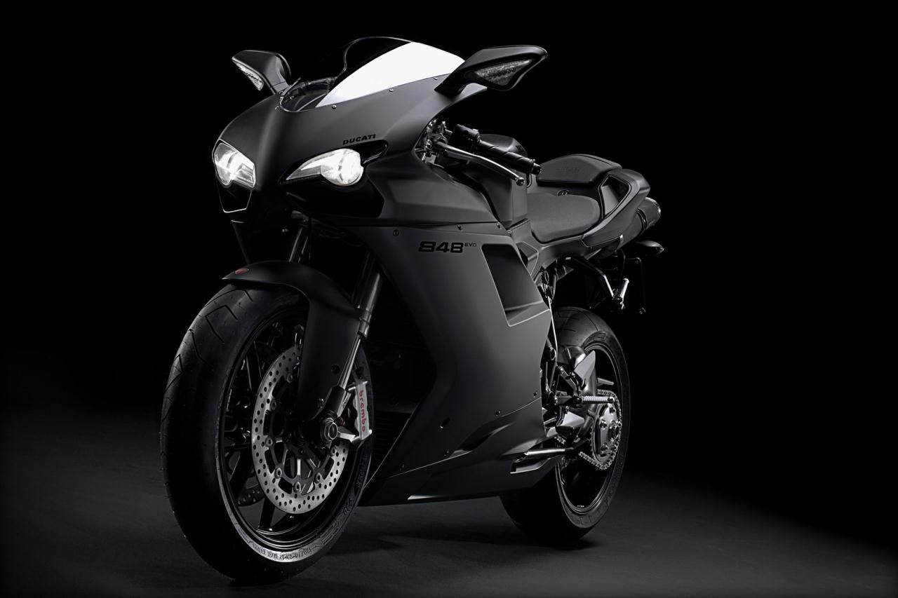 black-on-black-motorcycles-wallpaper-wp4803492