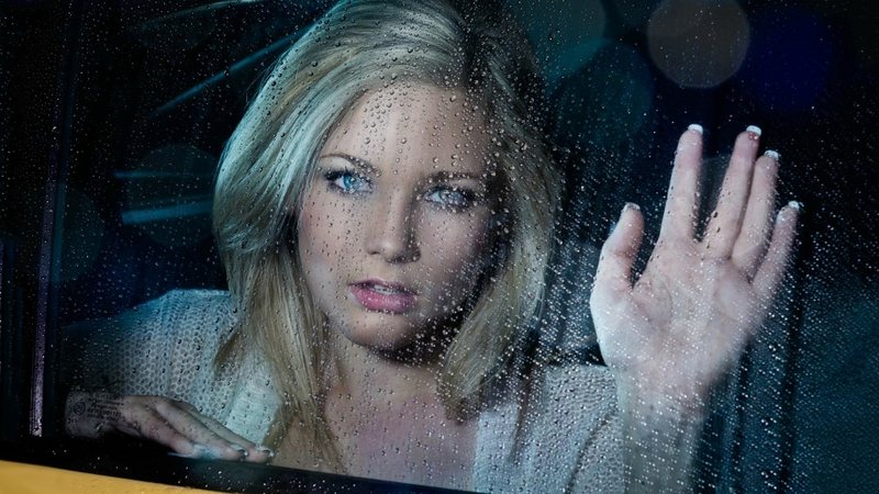 blondes-women-taxi-water-drops-window-panes-faces-1920x1080-wallpaper-wp3403375