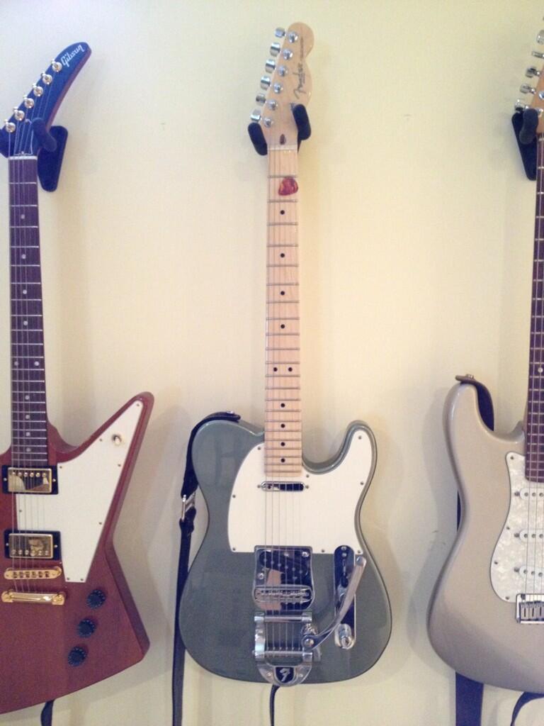 cadcacbcbdbca-guitar-fender-fender-telecaster-wallpaper-wp5005632
