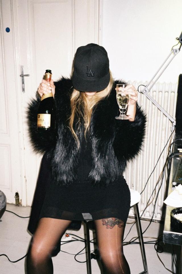 casual-snapback-cap-fur-mix-and-match-wallpaper-wp3004205