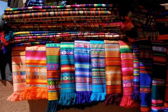 colorful-Mexican-blankets-for-decor-or-accents-wallpaper-wp5006209