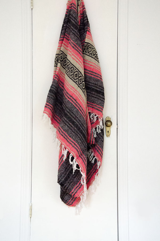 coral-gray-falsa-mexican-blanket-http-www-murlifestyle-com-product-coral-gray-falsa-mexican-blan-wallpaper-wp5006296