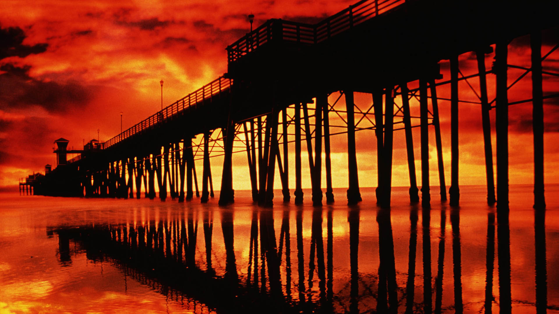 fiery-sky-over-pier-in-san-diego-1920×1080-wallpaper-wp3405500