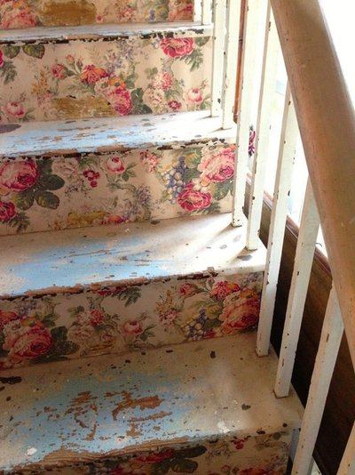 florals-on-stair-risers-wallpaper-wp5206587