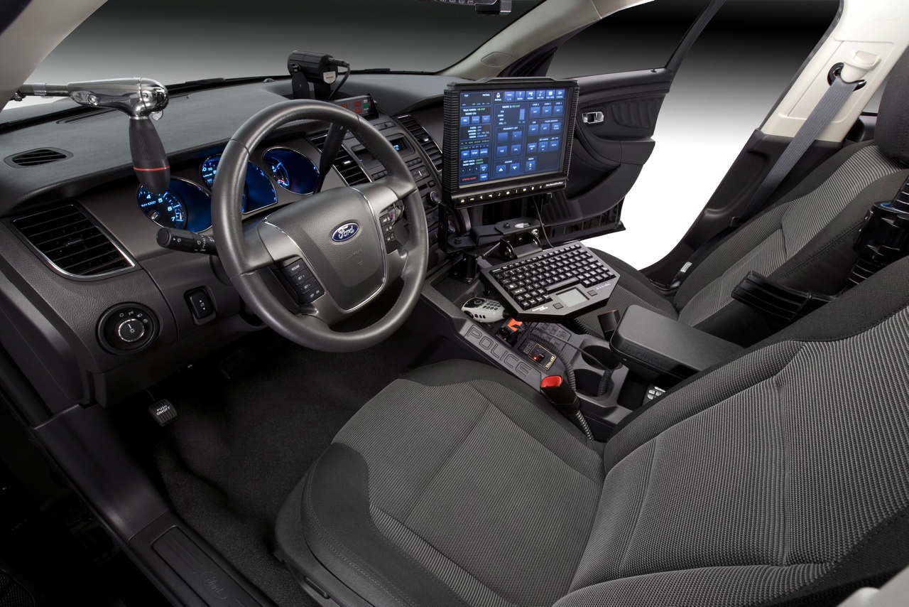 ford-crown-victoria-interior-High-Resolution-Picture-wallpaper-wp5405034