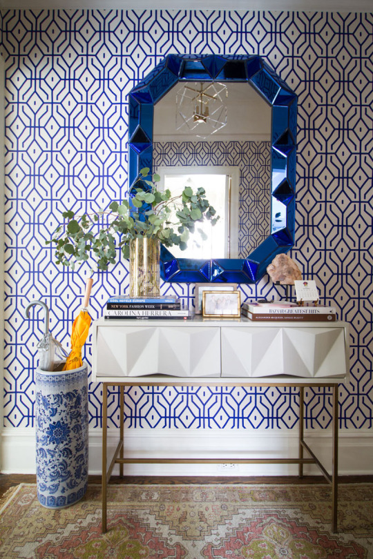 graphic-Anna-Spiro-and-jewel-like-mirror-from-Bungalow-Dee-Mur-wallpaper-wp5806150-1
