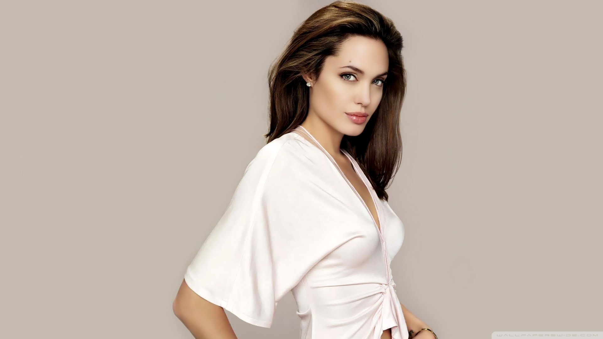 Angelina-Jolie-Full-HD-p-Best-HD-Angelina-Jolie-wallpaper-wpc5802117