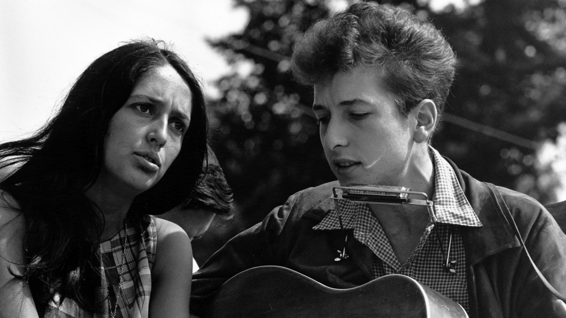 Bob-Dylan-Joan-Baez-oh-these-two-wallpaper-wpc9003118