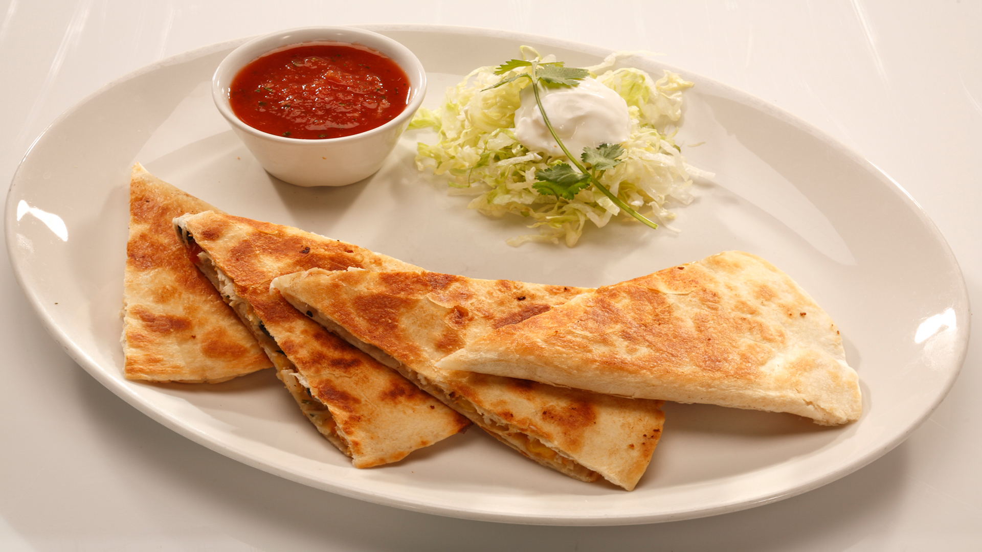 Chicken-Quesadilla-with-black-bean-salsa-1920x1080-wallpaper-wp3803755