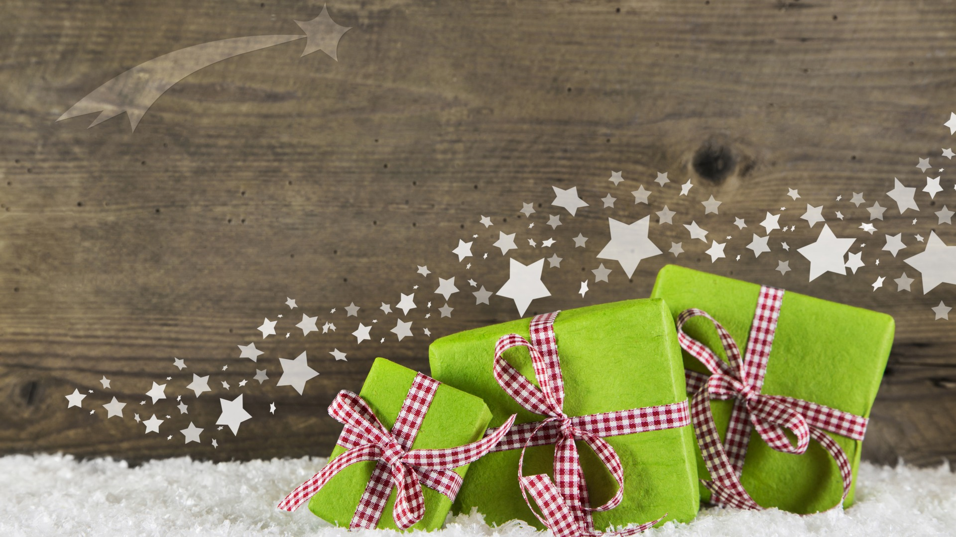 Download-New-Year-Christmas-gifts-Christmas-wood-snow-decoration-gifts-section-wallpaper-wp3804818