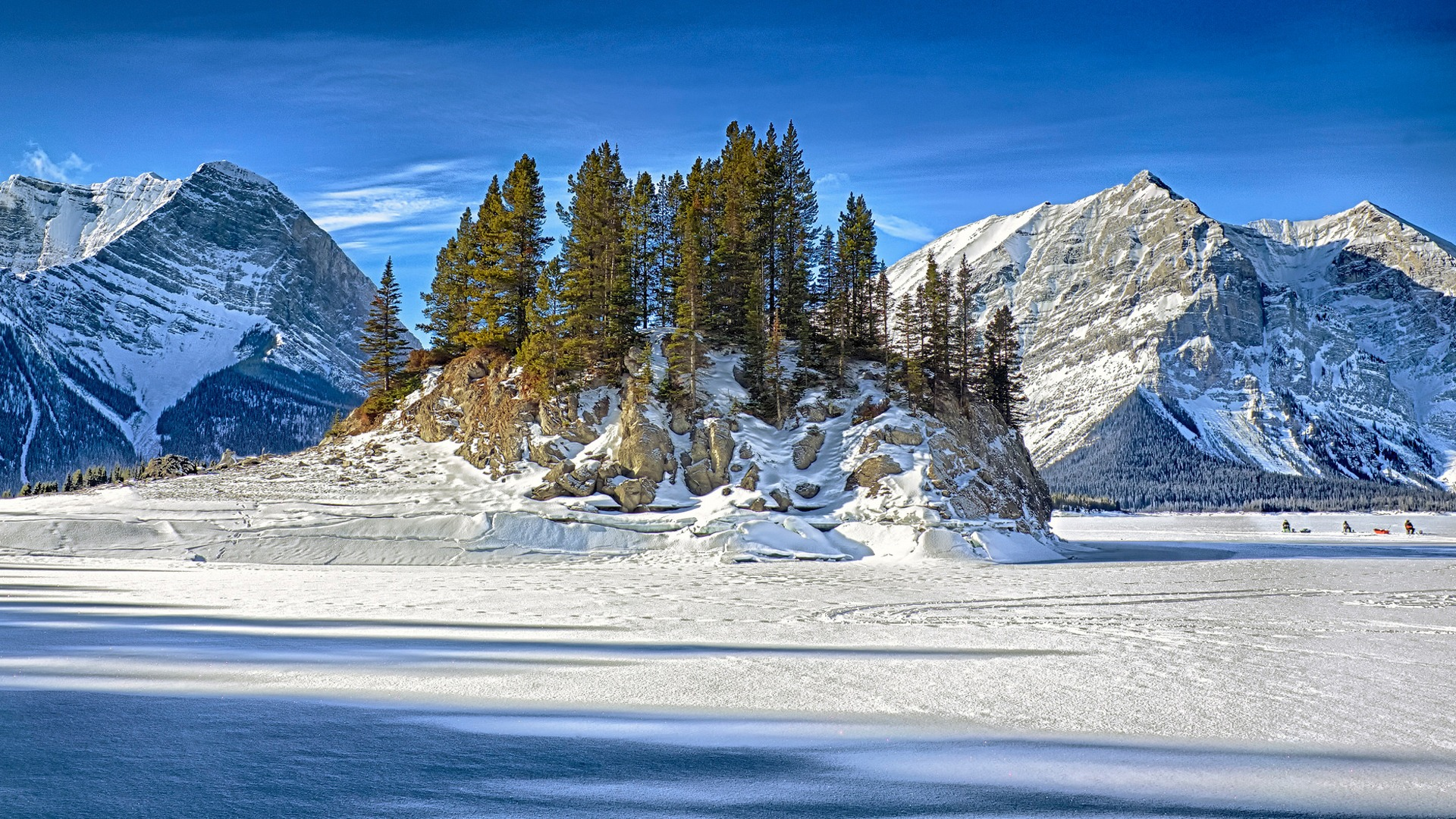 Download-ice-winter-the-sky-snow-trees-mountains-rock-lake-island-fishermen-sect-wallpaper-wpc9004483