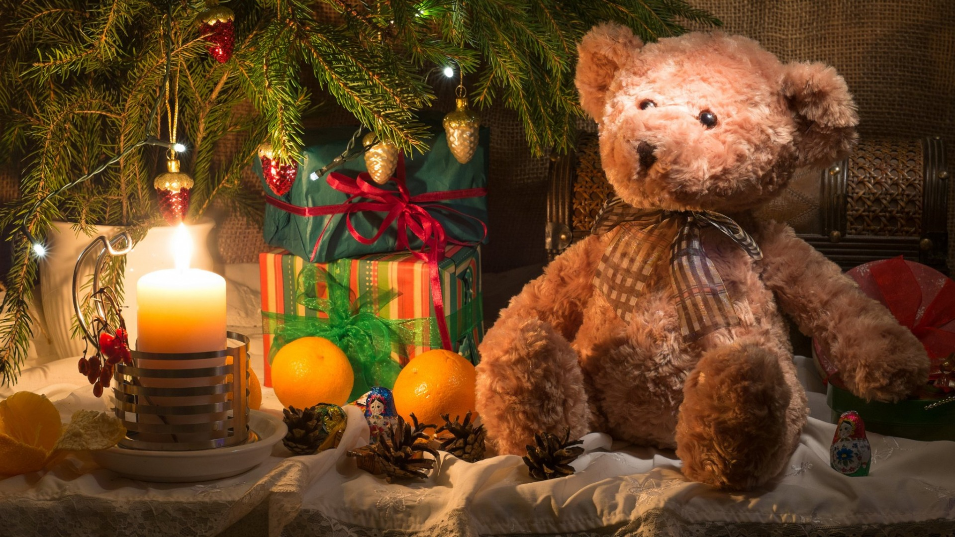 Download-toys-new-year-candle-spruce-oranges-branch-bear-gifts-fabric-tree-fruit-wallpaper-wp3804832