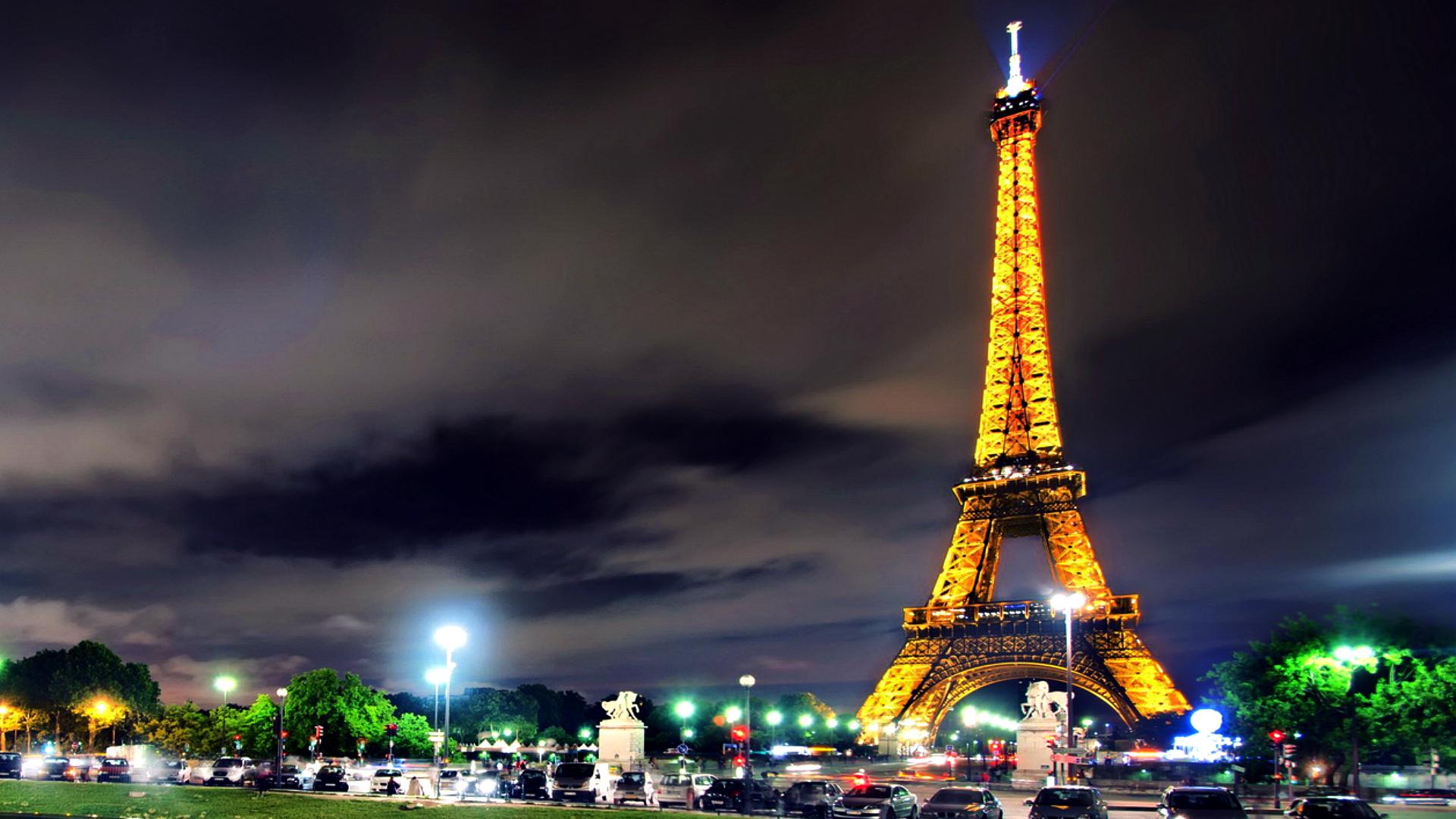 Eiffel-Tower-Best-wallpaper-wpc9004654