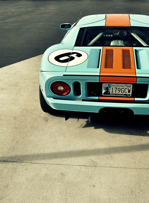 Ford-GT-in-those-iconic-Gulf-racing-colours-wallpaper-wpc5804939