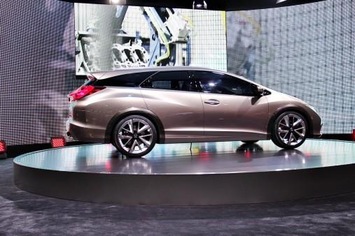 Honda-Civic-Tourer-Pictures-Wide-Sreen-HD-1080p-High-Resolution-PC-Desktop-Full-wallpaper-wpc5801215