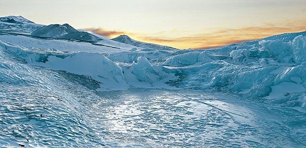 Secrets-of-Antarctica-Telegraph-wallpaper-wpc9009057