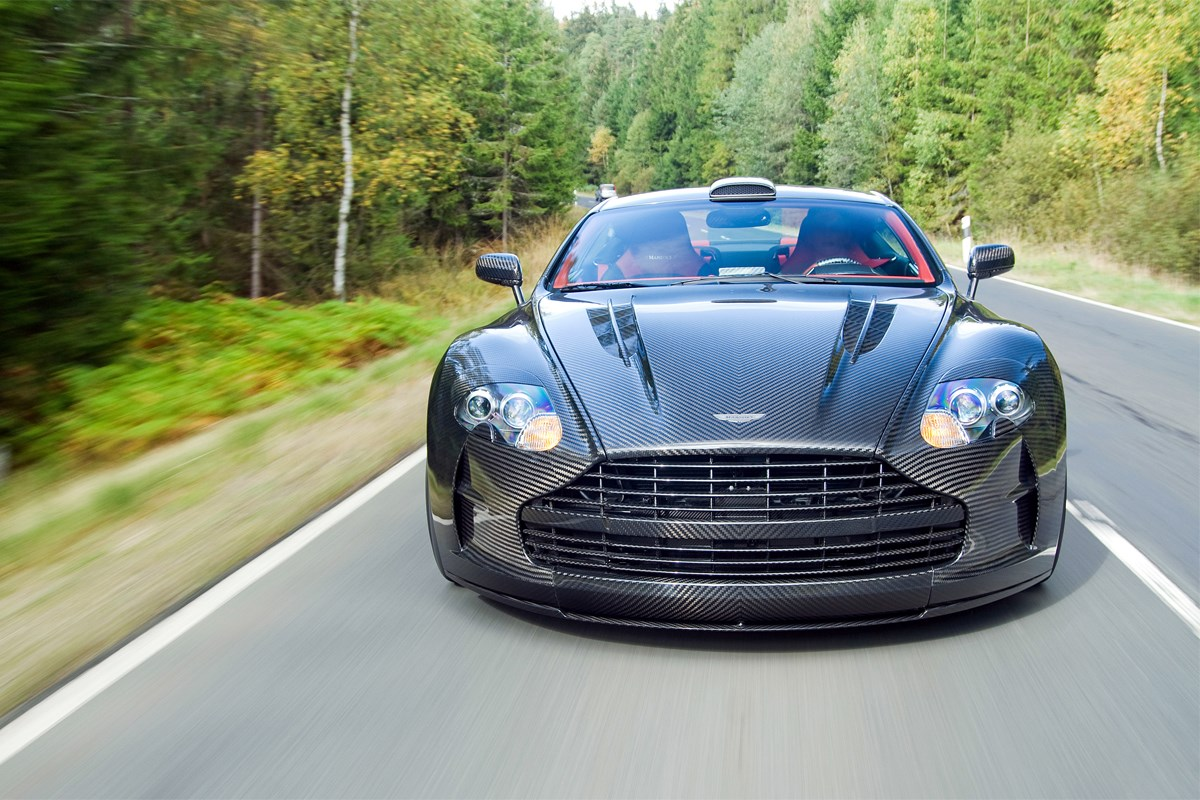 aston-martin-db-for-large-desktop-wallpaper-wpc5802316