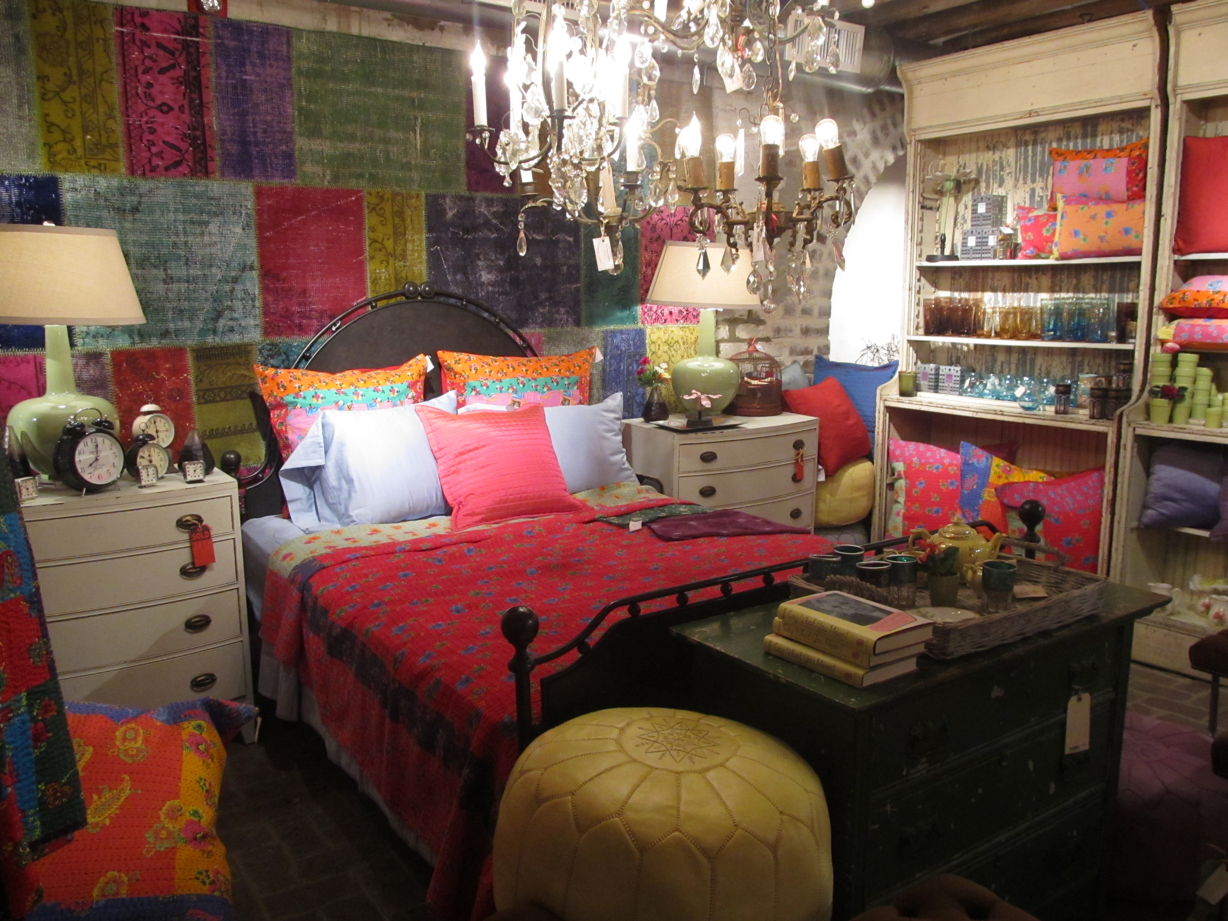 boho-bohemian-gypsy-bedroom-ideas-bohemian-bedroom-and-I'm-hoping-to-incorporate-some-of-the-wallpaper-wpc9003121