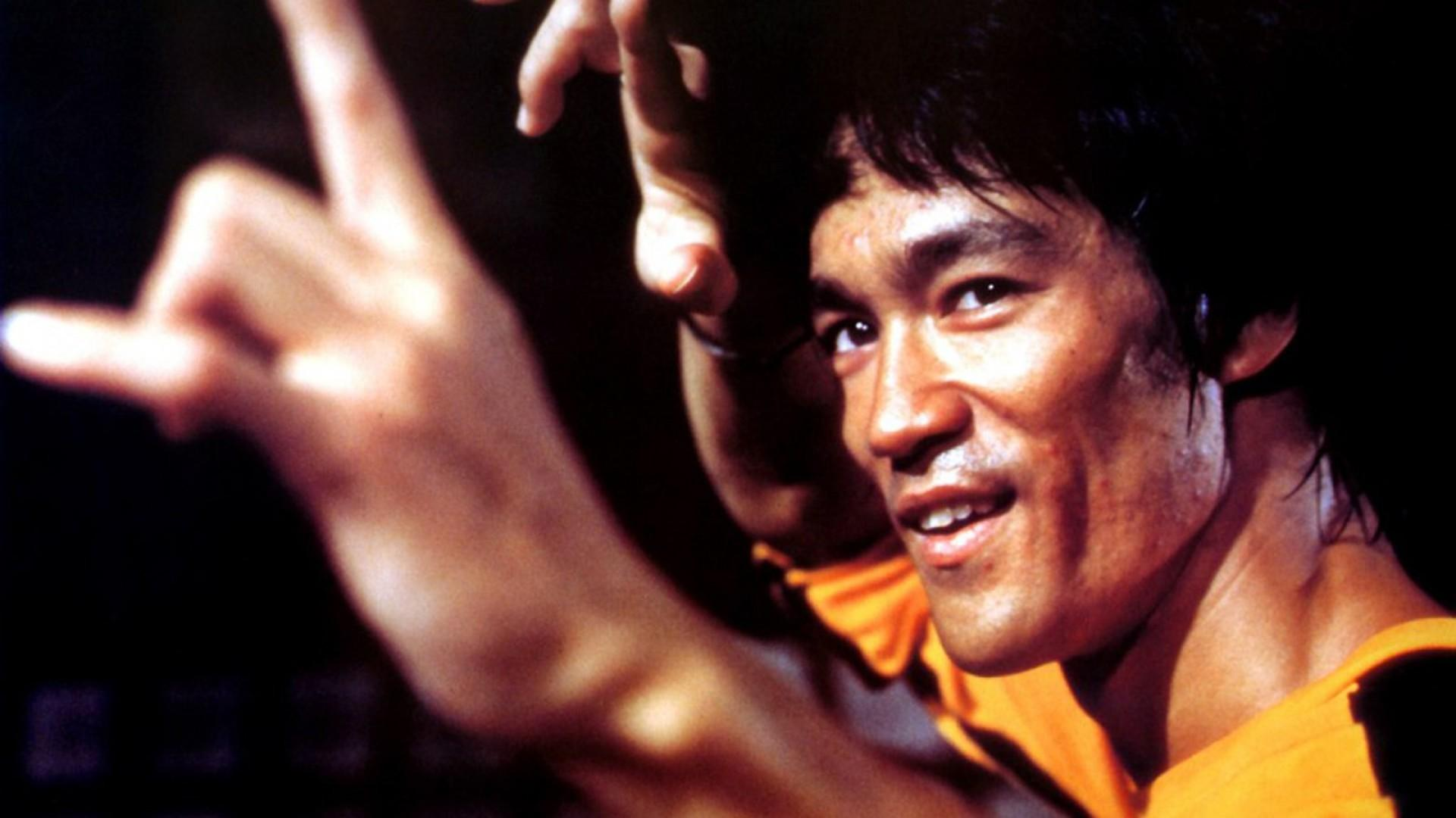 bruce-lee-images-HD-Buzz-×768-Of-Bruce-Lee-Ad-wallpaper-wpc5803063