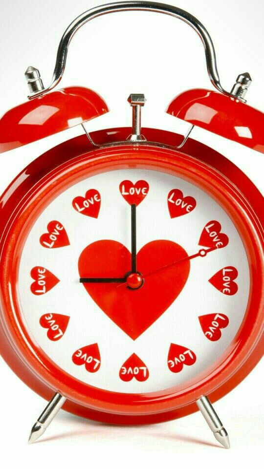 dbdbbcf3daab-alarm-clock-red-and-white-wallpaper-wp3801408