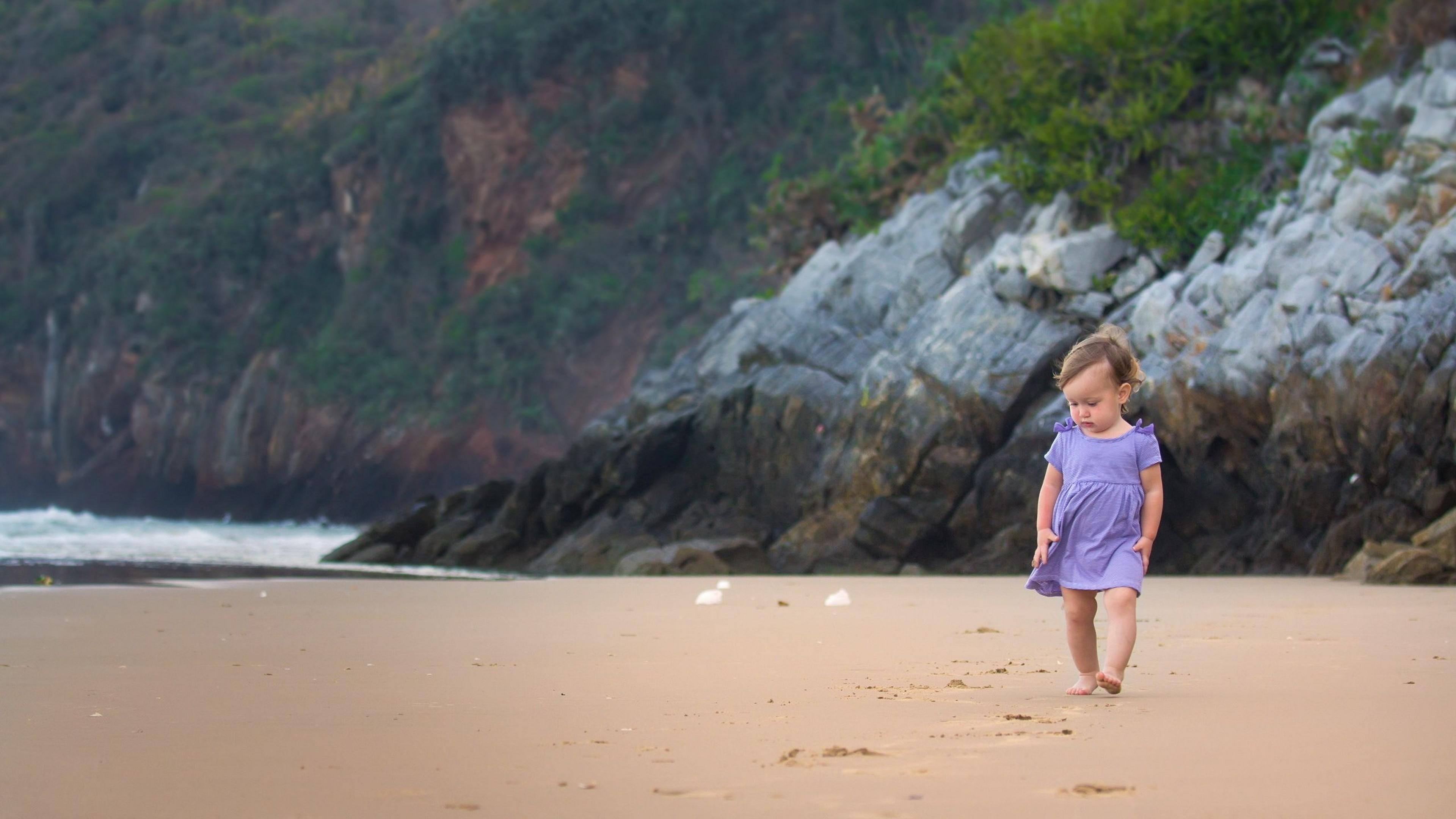x-Baby-at-beach-1920x1080-r-wallpaper-wpc5801690